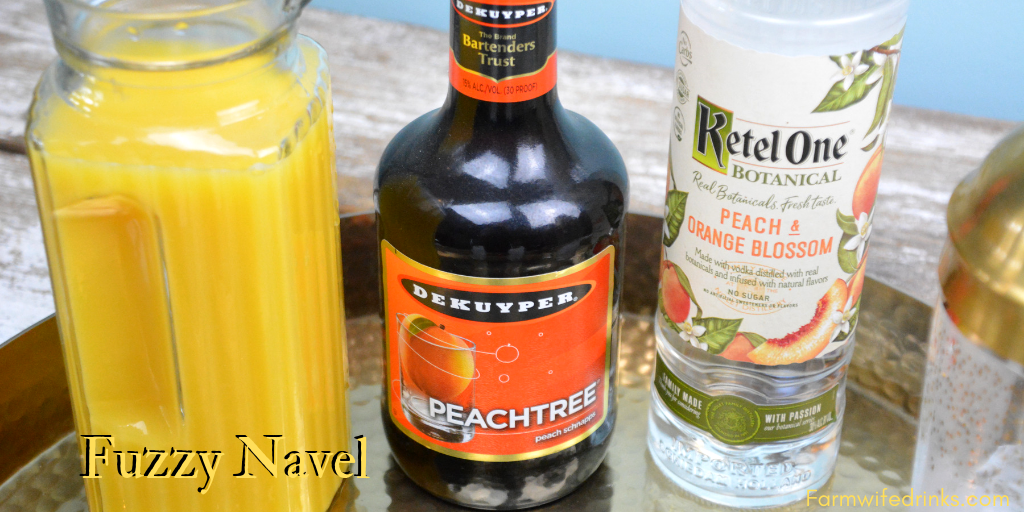 Fuzzy Navel combines orange juice with vodka and peach schnapps to create one of the classic cocktails enjoyed at brunch or for an evening out with friends. #Cocktails #FuzzyNavel #Vodka #OrangeJuice #PeachSchnapps #Peach